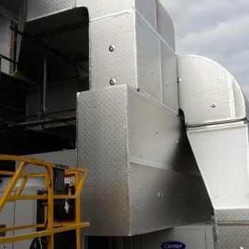 Canali in PAL per esterni, prodotti e montati da noi nel Conad Superstore di Trescore